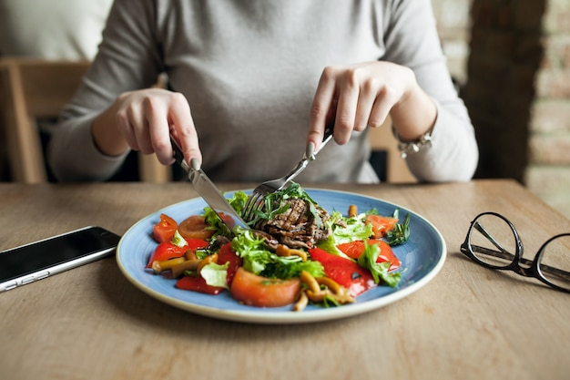 Saudável, pessoas, salada, alimento, mulher