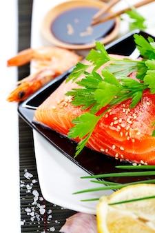 Sause fresco de salmão e soja