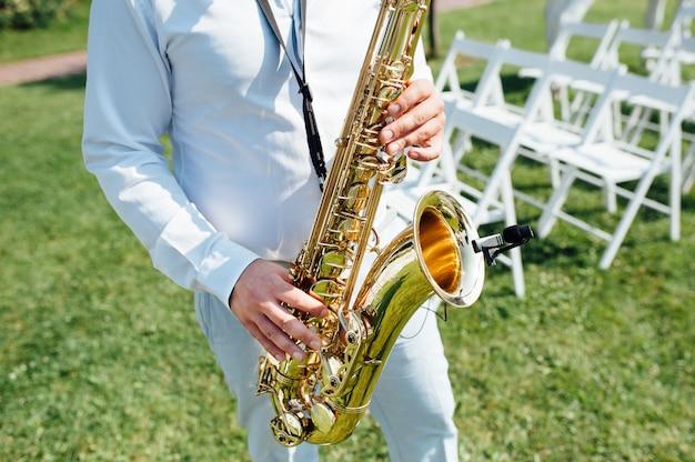 Saxofonista instrumento de música jazz saxofonista