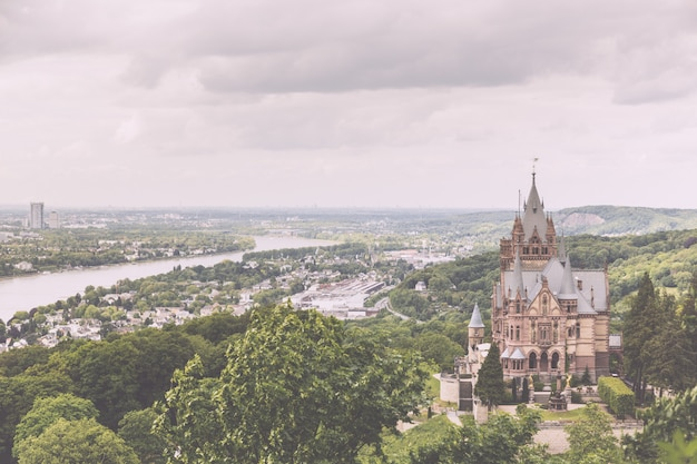 Schloss drachenburg, castelo do dragão em bonn