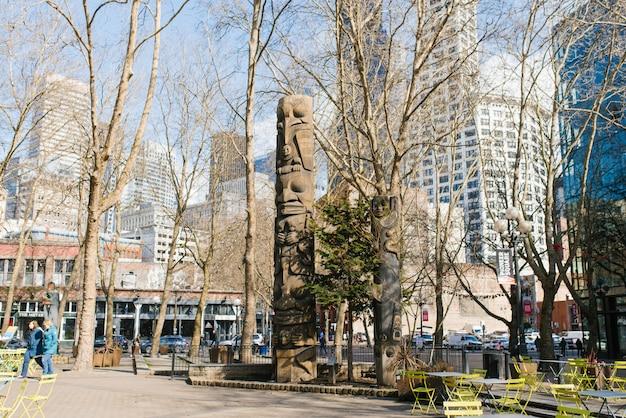 Seattle, washington, eua. pioneer totem pole