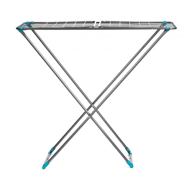 Secador de roupa de metal isolado no branco