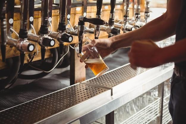 Seção intermediária da barra de enchimento de cerveja da bomba de barra
