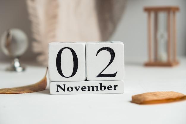 Segundo dia do calendário do mês de outono novembro