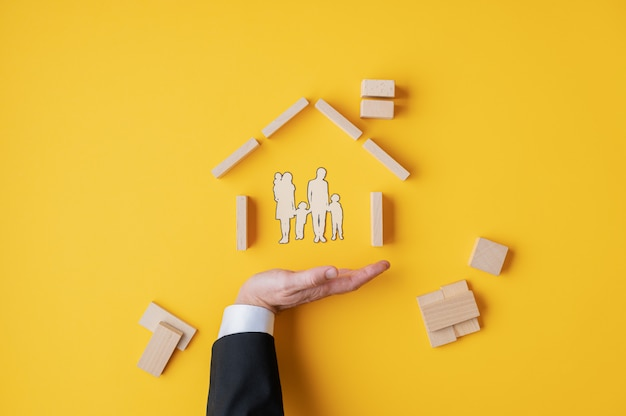 Seguro e conceito de casa própria