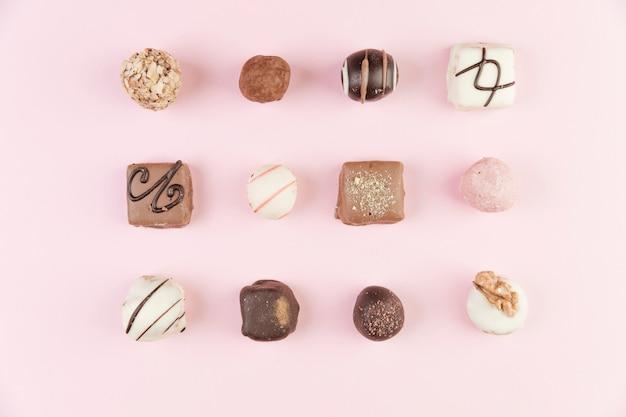 Seleção de chocolate vista superior