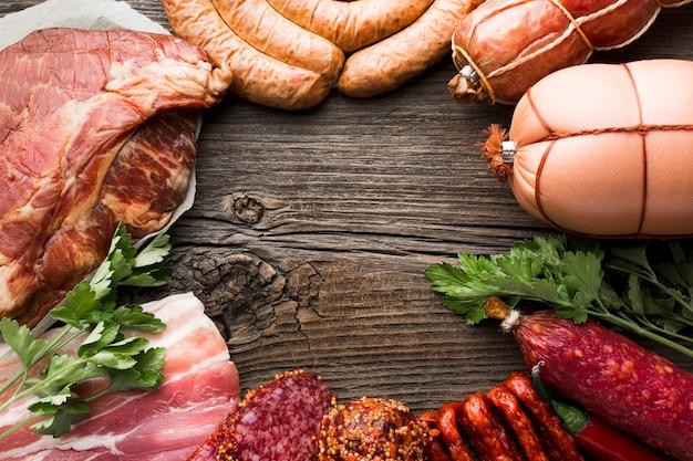 Seleção de close-up de carne de porco em cima da mesa