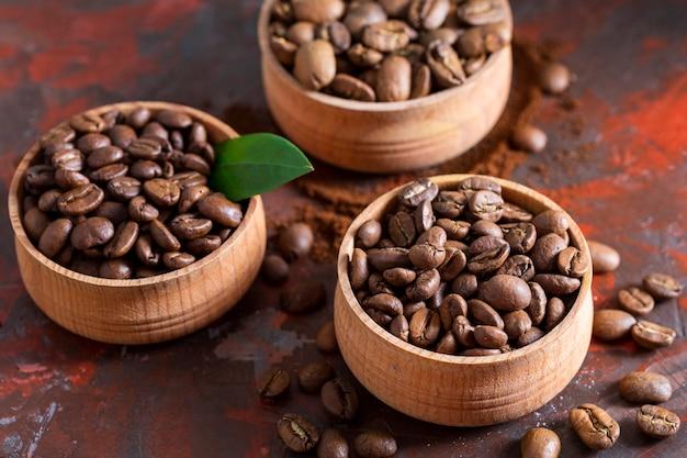 Seleção de close-up de grãos de café frescos