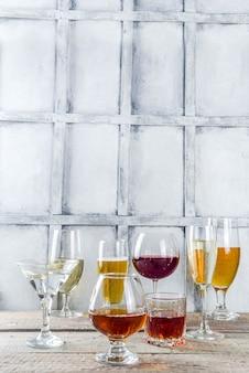 Seleção de diferentes bebidas alcoólicas