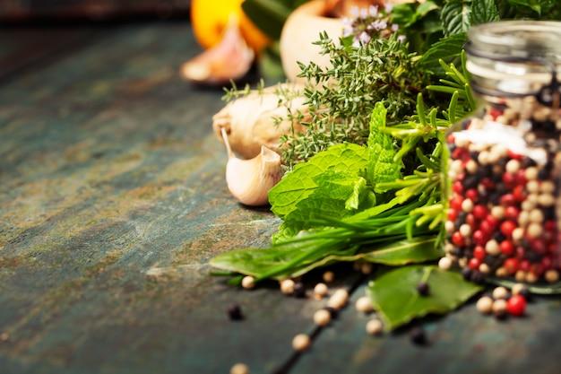 Seleção de ervas e especiarias