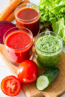 Seleção de legumes e suco