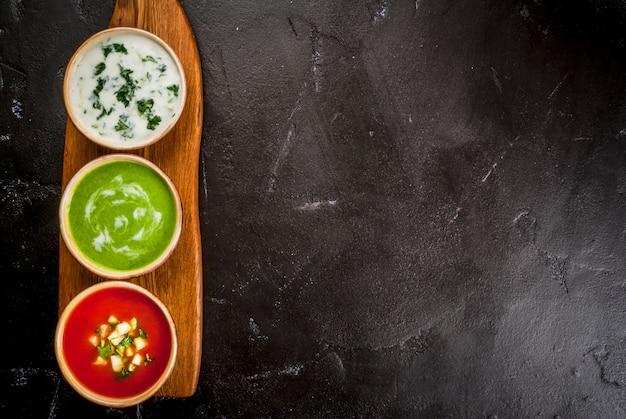 Seleção de sopas de verão refrescantes e frias