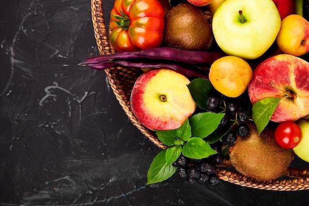 Seleção saudável de alimentos coloridos