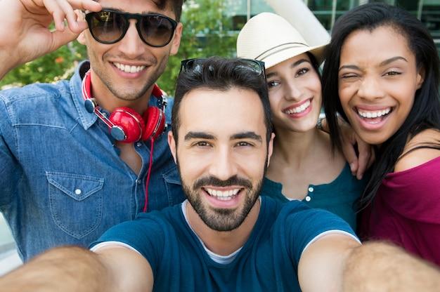 Selfie com amigos