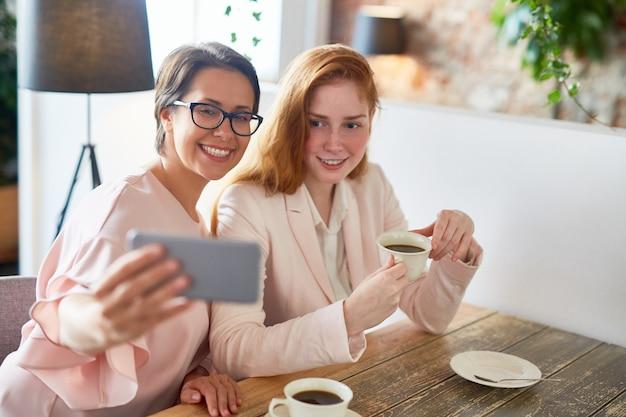 Selfie na pausa para o café