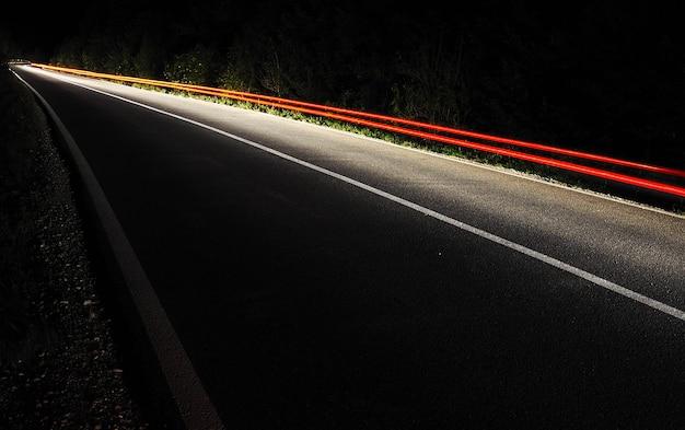 Semáforos na noite
