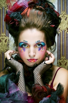 Senhora com maquiagem artística. estilo de boneca.