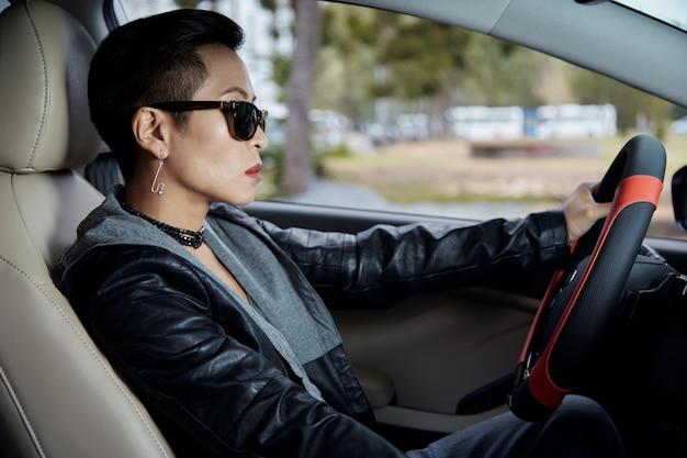 Senhora de condução