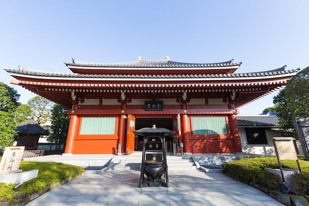 Sensoji é famoso templo antigo em asakusa, tóquio. património no templo de sensoji.
