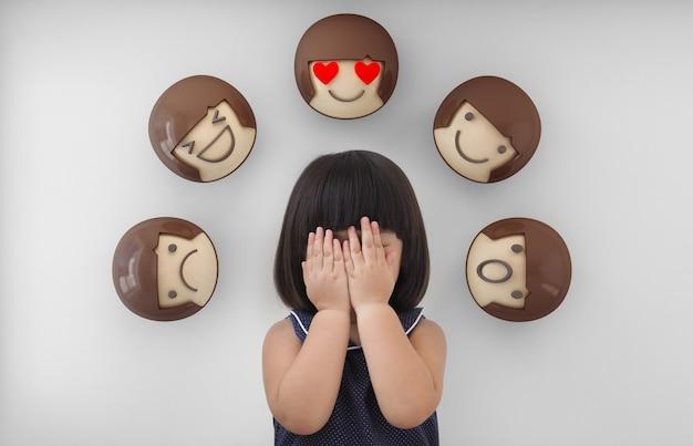 Sentimentos e emoções de criança.