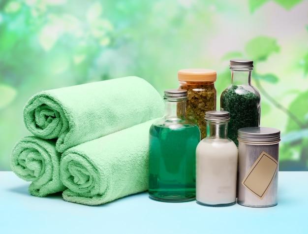 Série de cosméticos spa. frascos de cosméticos