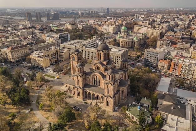 Sérvia, belgrado. novembro de 2018 - vista aérea da igreja de são marcos