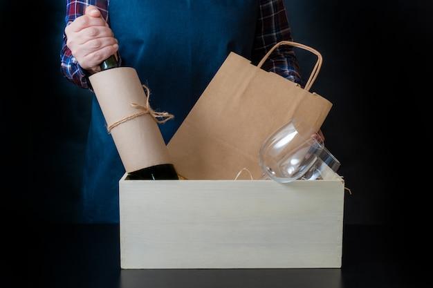 Serviço de entrega embalagem saco caixa empacotador transporte copos de vinho sommelier