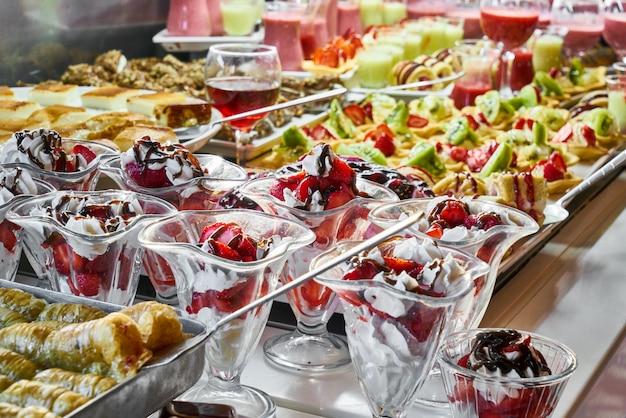 Serviços de catering com lanches no restaurante