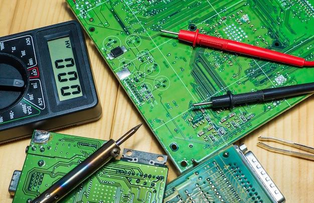 Serviços de fabricação de eletrônicos