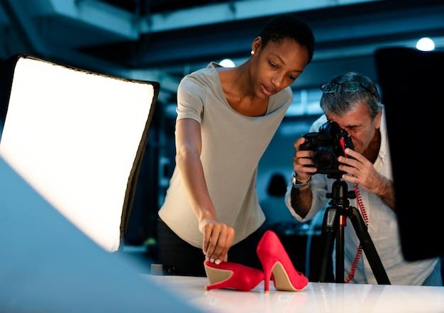 Sessão fotográfica de produto de sapatos