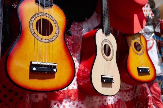 Sevilha souvenir guitarra espanhola andaluzia espanha