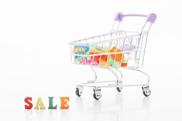 Sexta-feira negra conceito de venda de carrinho de compras