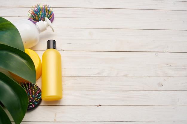 Shampoo pente para cuidados com a pele de folha verde