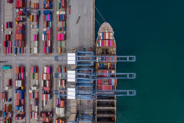 Shippng porto e contêiner de carga logística de serviços de negócios importação exportação vista aérea internacional