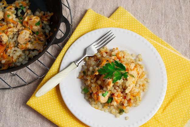 Shirataki arroz com frango e cenoura