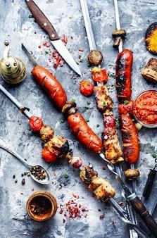 Shish kebab com cogumelos