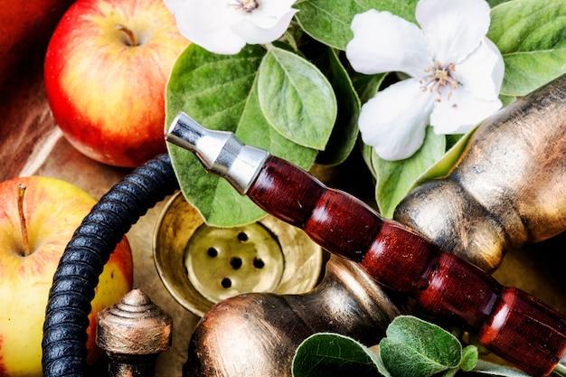 Shisha com maçã aromática