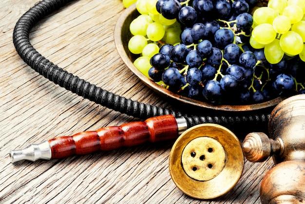 Shisha oriental com uvas