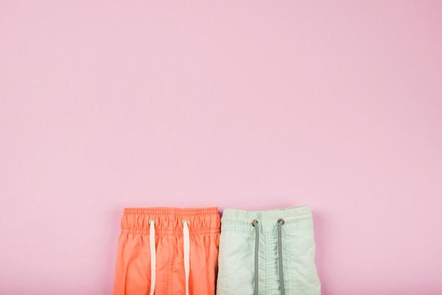 Shorts de verão brilhantes com rendas