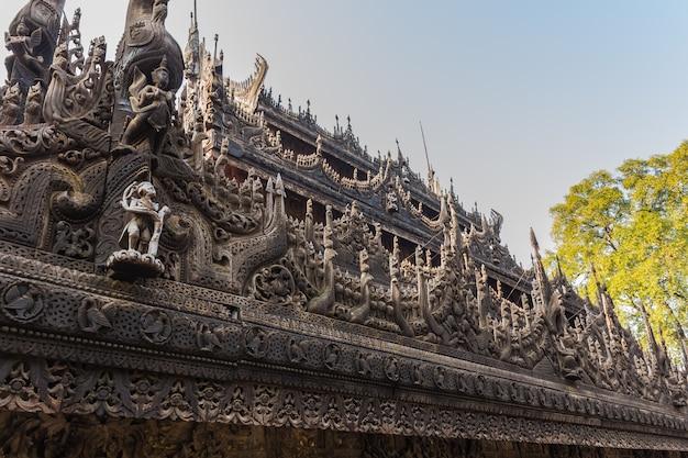 Shwenandaw kyaung temple ou golden palace monastery em mandalay, myanmar