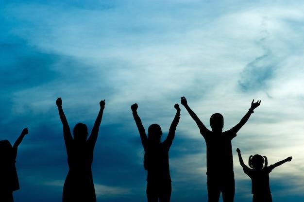 Silhueta de liderança de equipe, trabalho em equipe e trabalho em equipe e conceitos deliciosos de silhueta