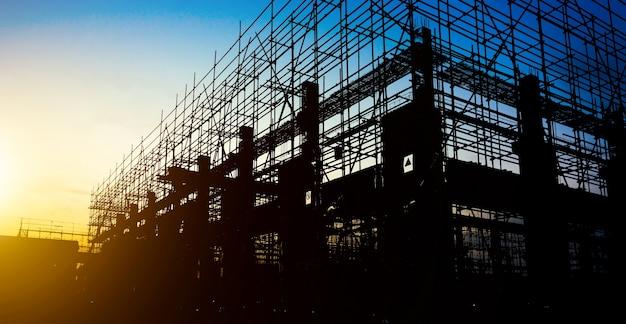 Silhuetas do local de construção