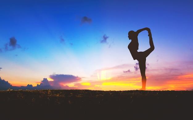 Silueta, de, mulher, ioga