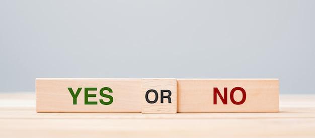 Sim ou nenhum bloco. resposta, pergunta e conceito de decisão