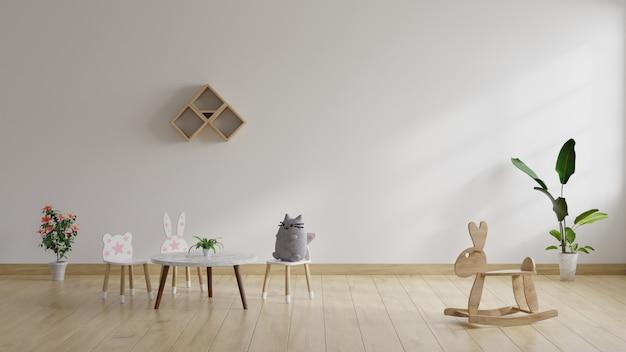 Simulado na sala de estar das crianças com bonecas colocadas em cadeiras