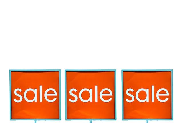 Sinal de desconto de loja, venda em shopping isolado no espaço de cópia de fundo branco