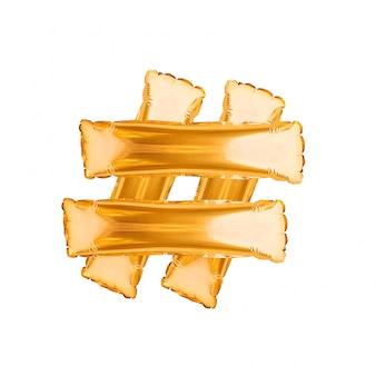 Sinal de hashtag feito dos balões dourados isolados no branco. símbolo de hashtag, compartilhando mensagem marcada. tendências de mídia social. balões de ouro alfabeto