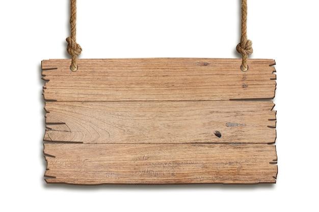 Sinal de madeira marrom sobre um fundo branco no conceito de placa de sinalização e outdoors com traçado de recorte.
