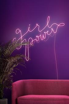 Sinal de néon feminino em um café autêntico