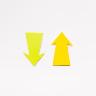 Sinal de setas amarelas